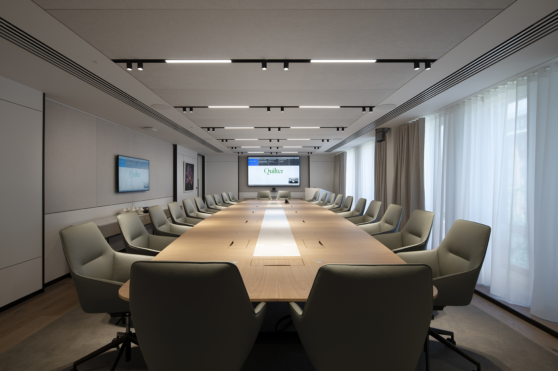 Quilter Board Room