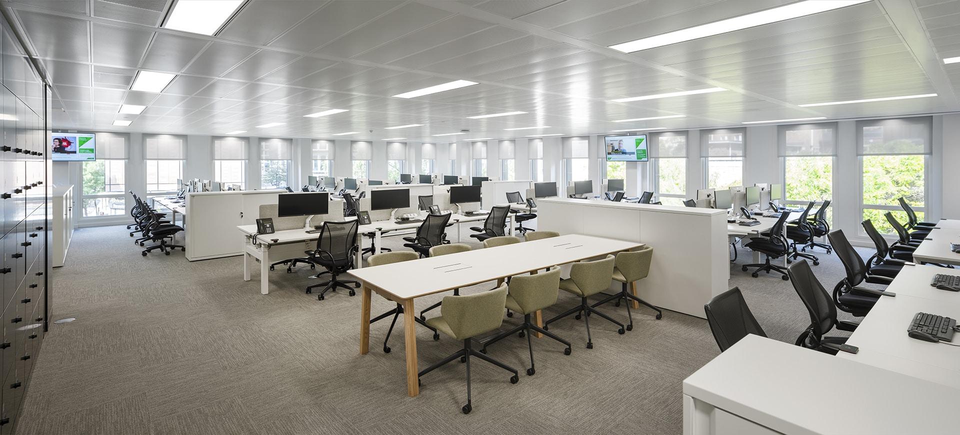 Quilter Working Floor